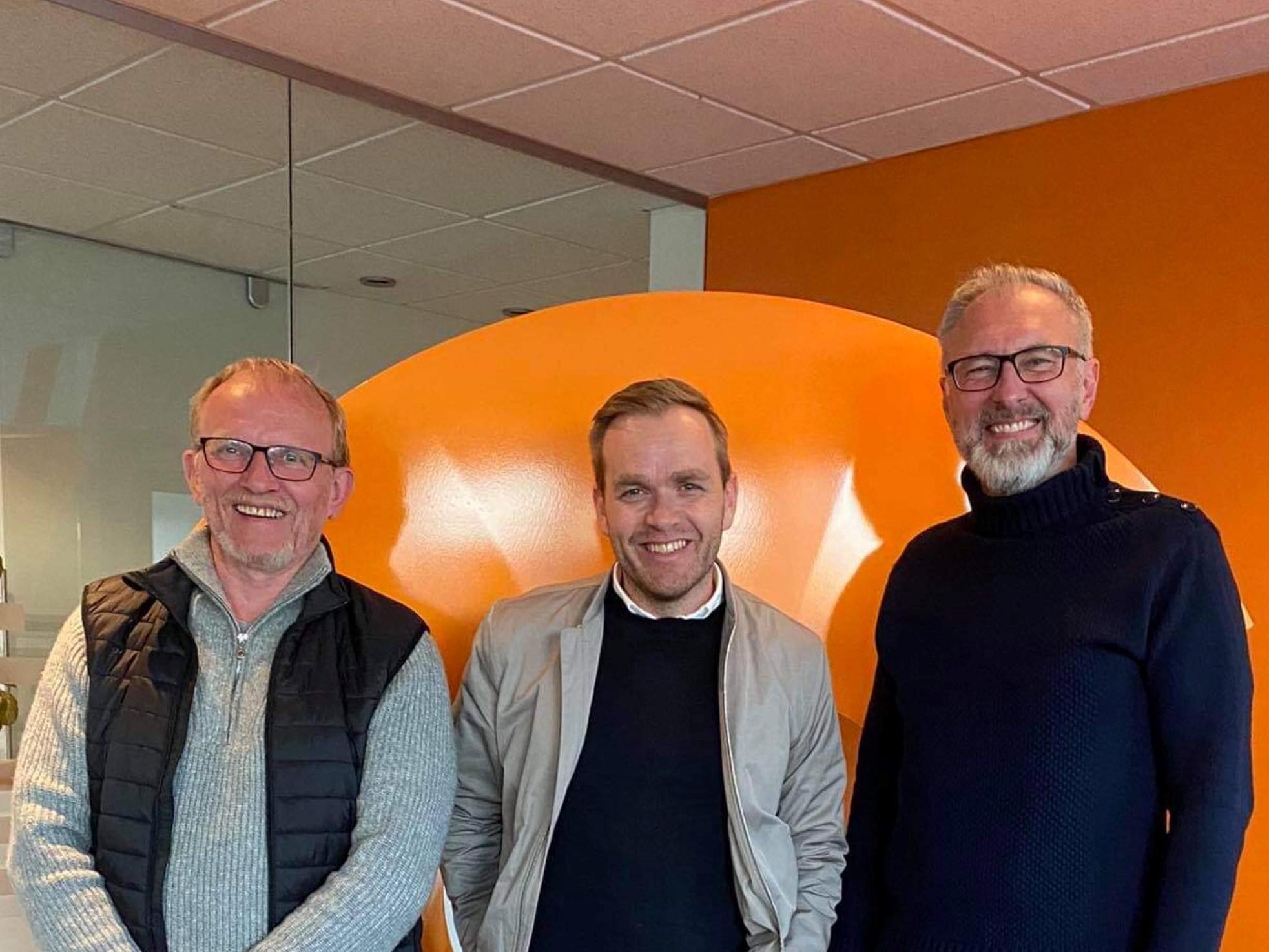 Eiríkur Björn Björgvinsson, Guðbrandur Einarsson og Guðmundur Gunnarsson. Alþingiskosningar 2021. 1. sæti Suðurkjördæmi (S) Norðvesturkjördæmi (NV) Norðausturkjördæmi (NA)